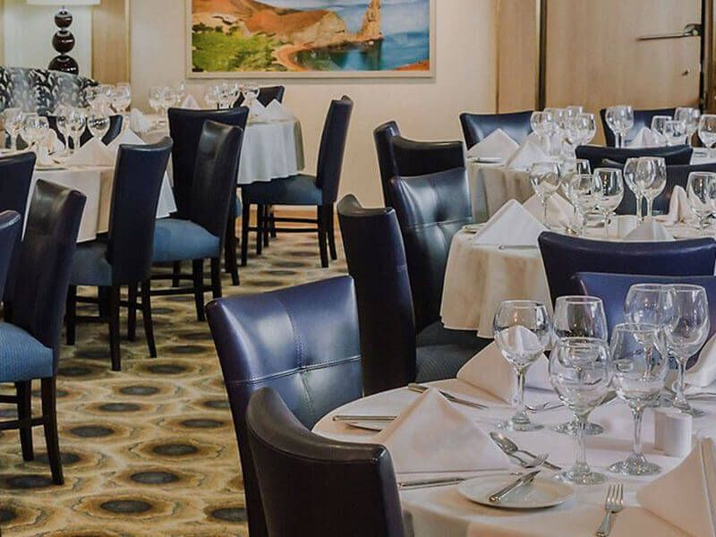 YM_04_Darwins_Restaurant