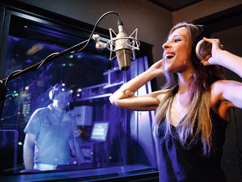 CJ_26_Music_Studio