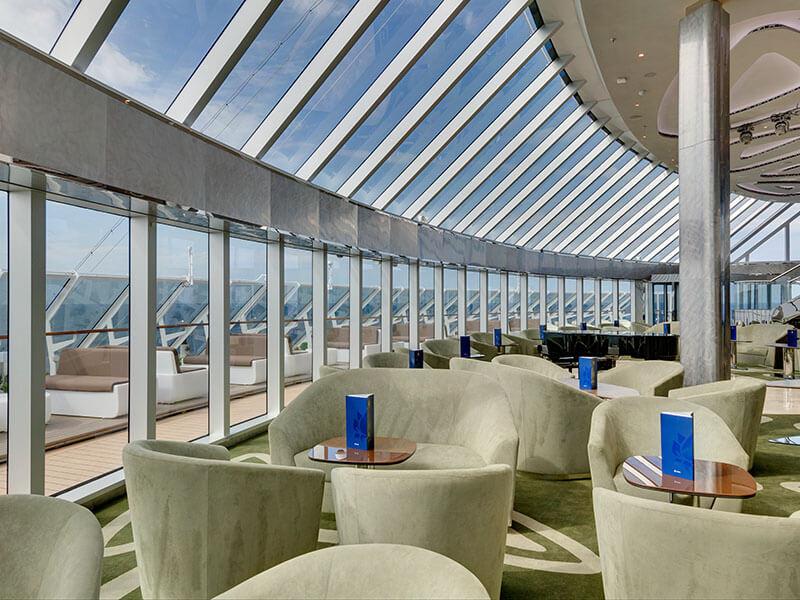 MI_10_MSC_Yacht_Club_Lounge