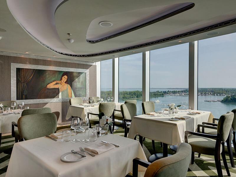MI_12_MSC_Yacht_Club_Restaurant