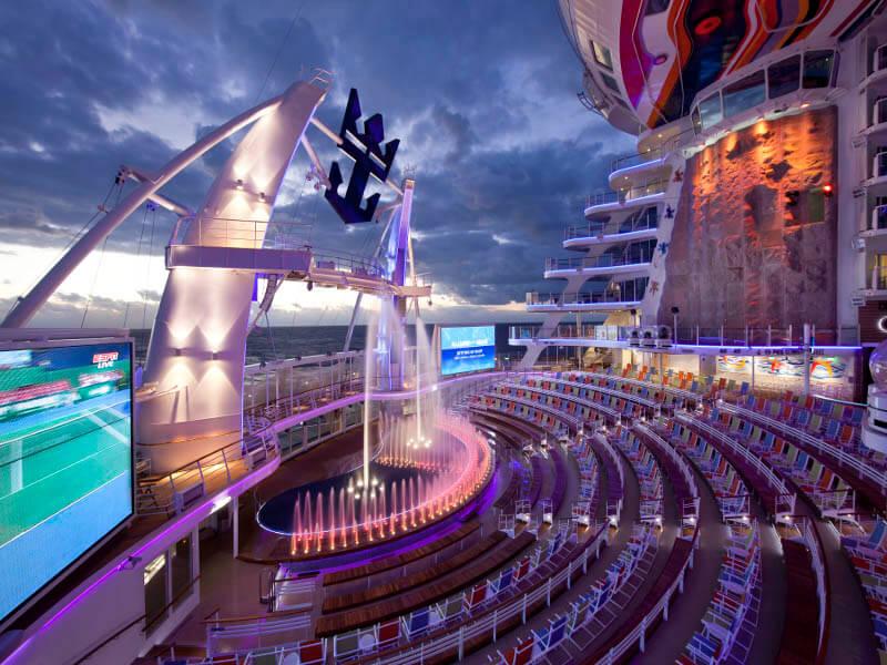 RQ_29_Aquatheater